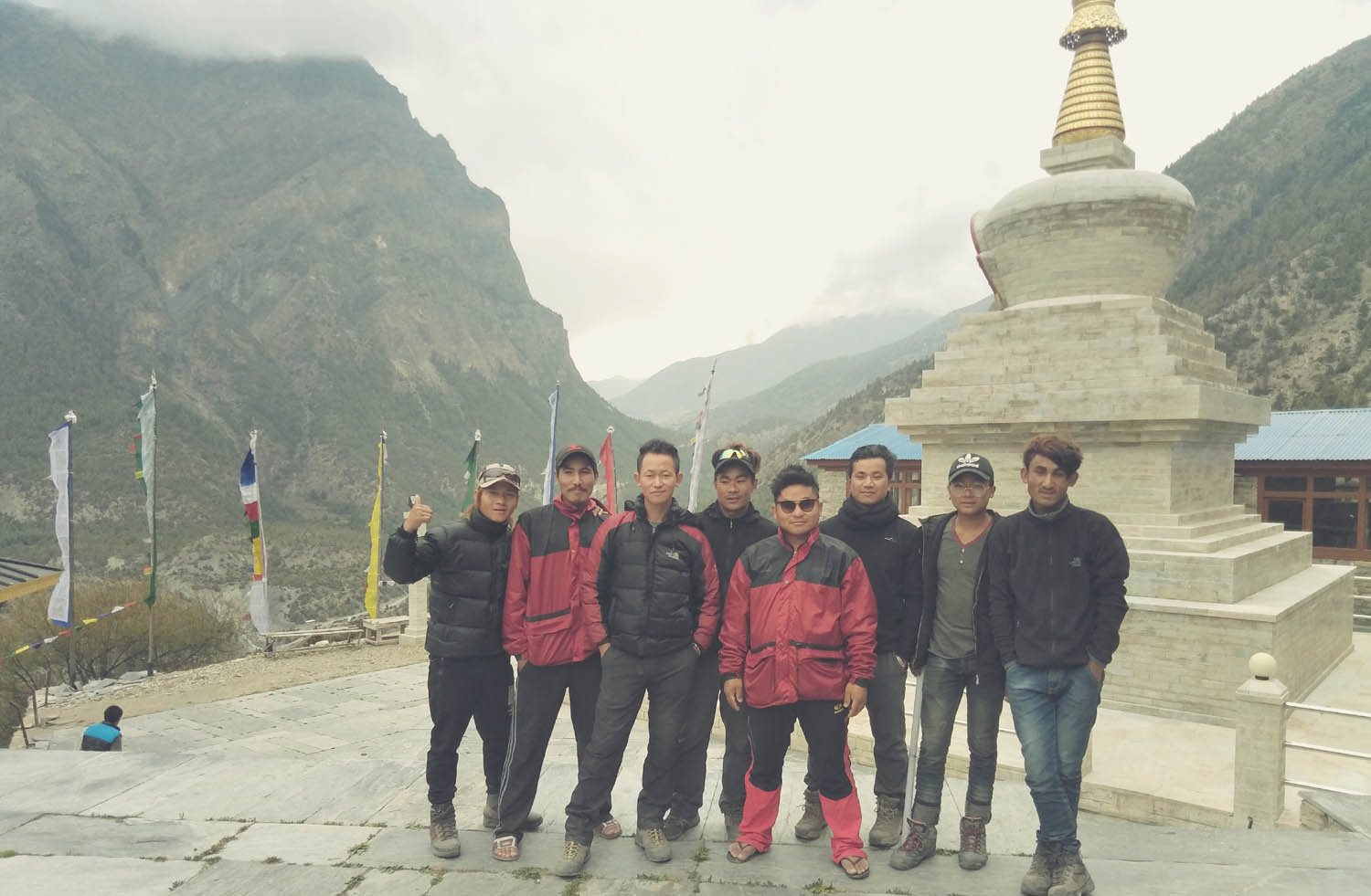 Guides and Porters in trekking